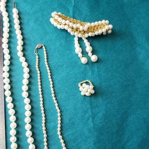2 for 10$ Costume pearls jewelry lot